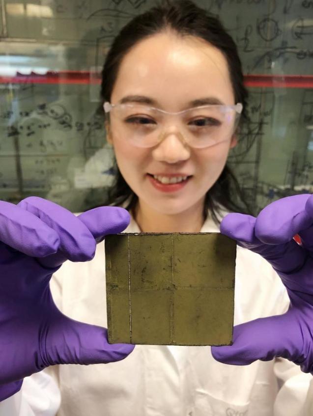 科学家创造无线光催化剂薄片将二氧化碳和阳光转化为清洁燃料
