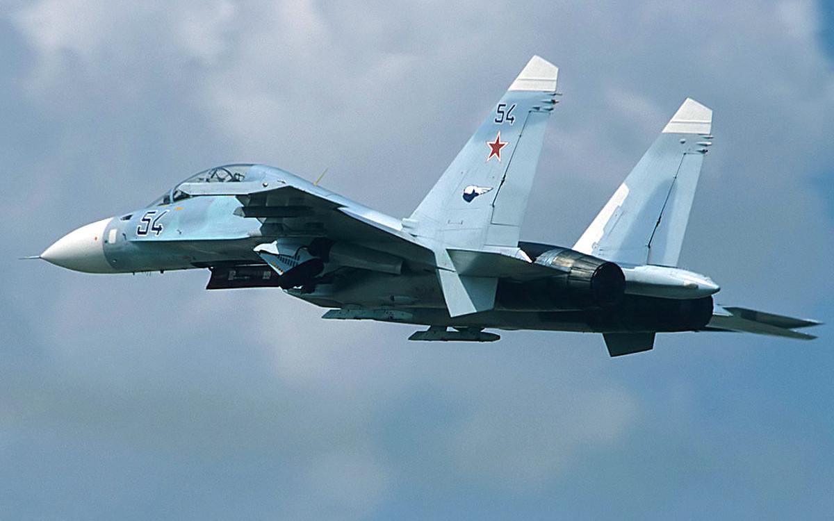 图为苏-27战机