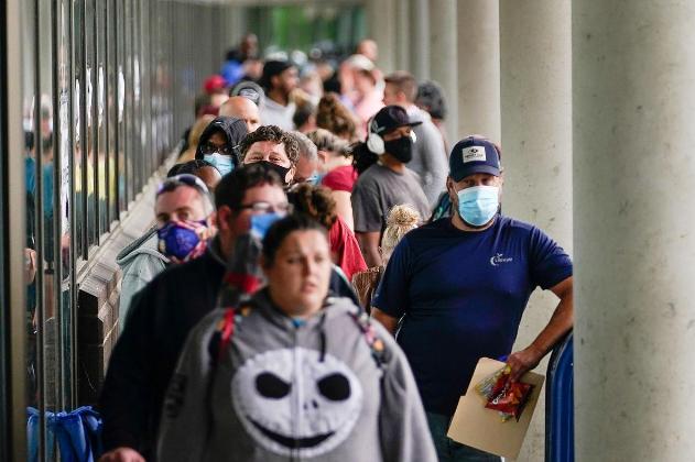 美国加州疫情期间失业率近三成 不少人在重启后又丢工作