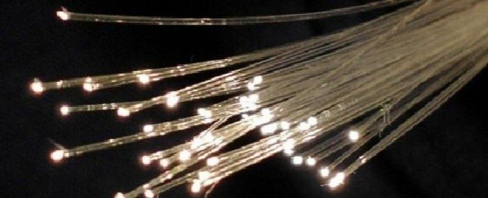 科学家开发光纤新工艺:产能提高 生产成本便宜100倍