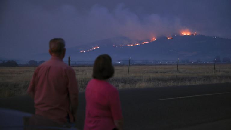 美国俄勒冈州山火是人为纵火?警方在起火附近有发现