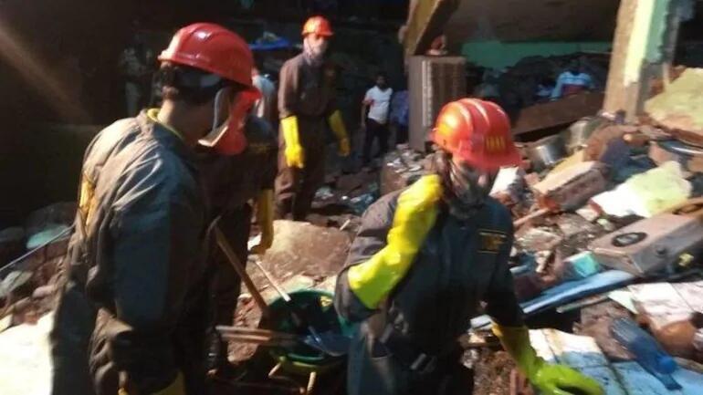 印媒:印度一3层公寓楼倒塌,8人死