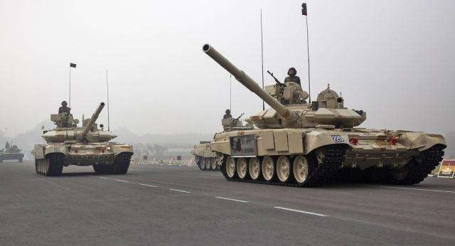 印度装备的T-90坦克