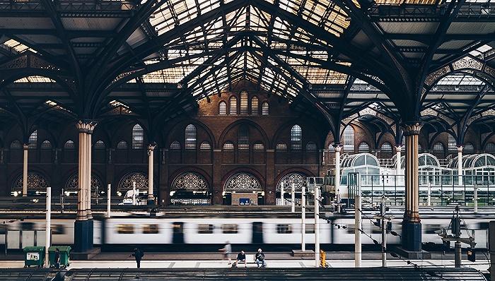 英国铁路开启国有化进程,25年私人特许经营将成历史