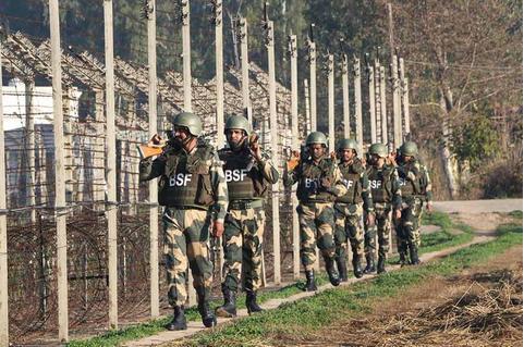 ▲印度边境安全部队(BSF)的警员。图源:印度报业托拉斯(PTI)