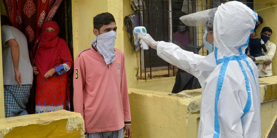 印度82岁老人感染新冠病毒 被4个儿子扔在井边