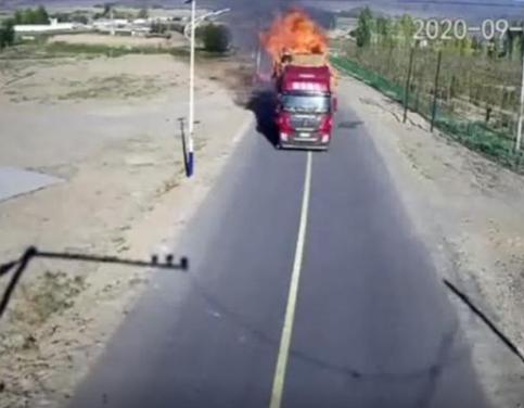 司机回应开起火货车狂奔1公里:我要确保全村人的安全