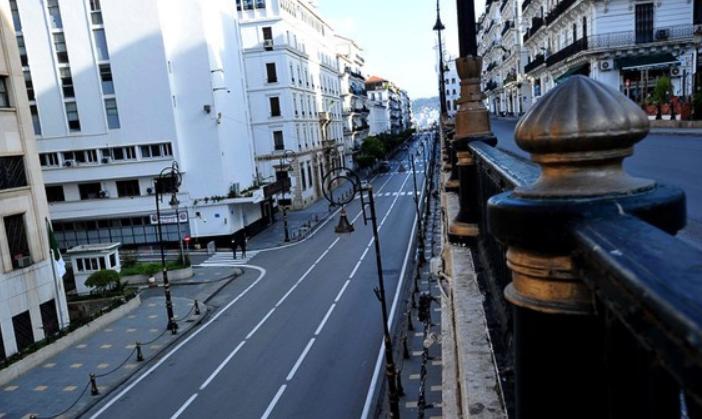为抗击新冠疫情 阿尔及利亚再次延长宵禁期限15天