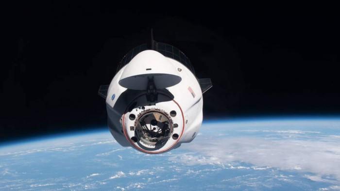 """SpaceX载人龙飞船""""奋进号""""将于下周在国际空间站更换对接坞"""