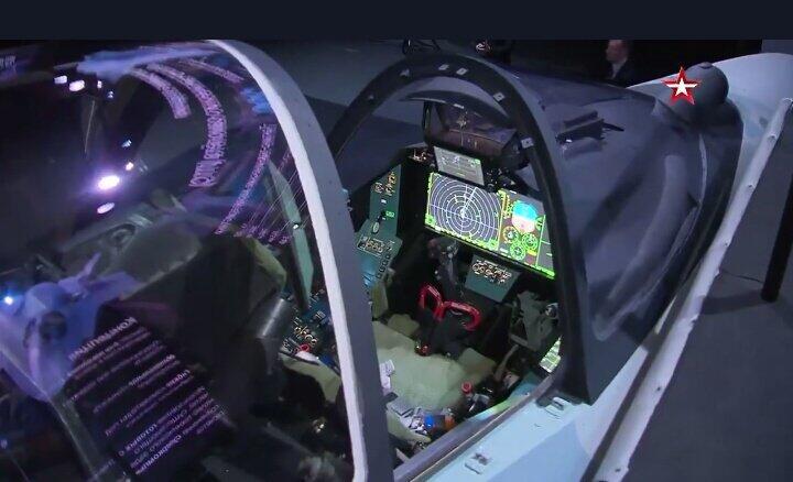 俄罗斯新型五代机的座舱