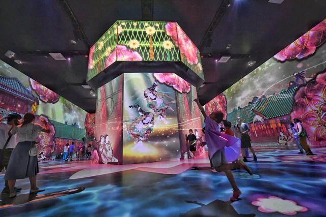 """200余幅壁画""""搬到""""北京数字体验周 光影艺术让敦煌活起来"""