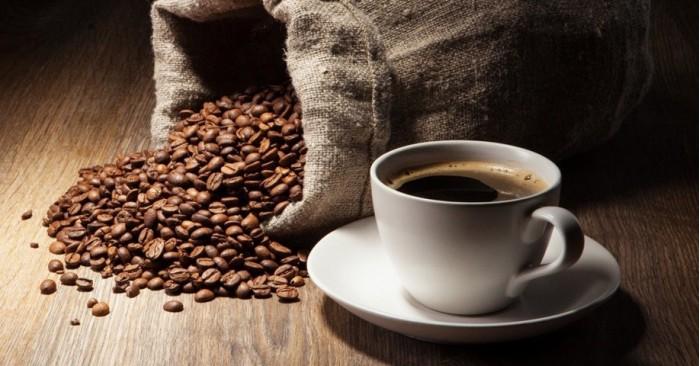 研究发现大量饮用咖啡与较小的脑容量和痴呆症风险增加有关