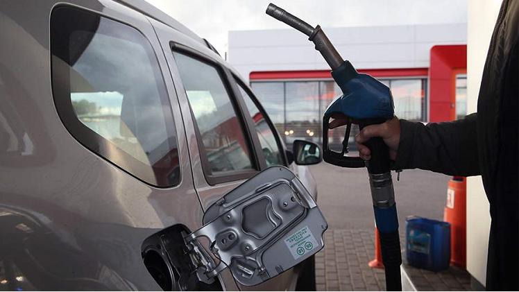 俄能源部要求政府禁止汽油出口 按计划禁令可能持续至少三个月