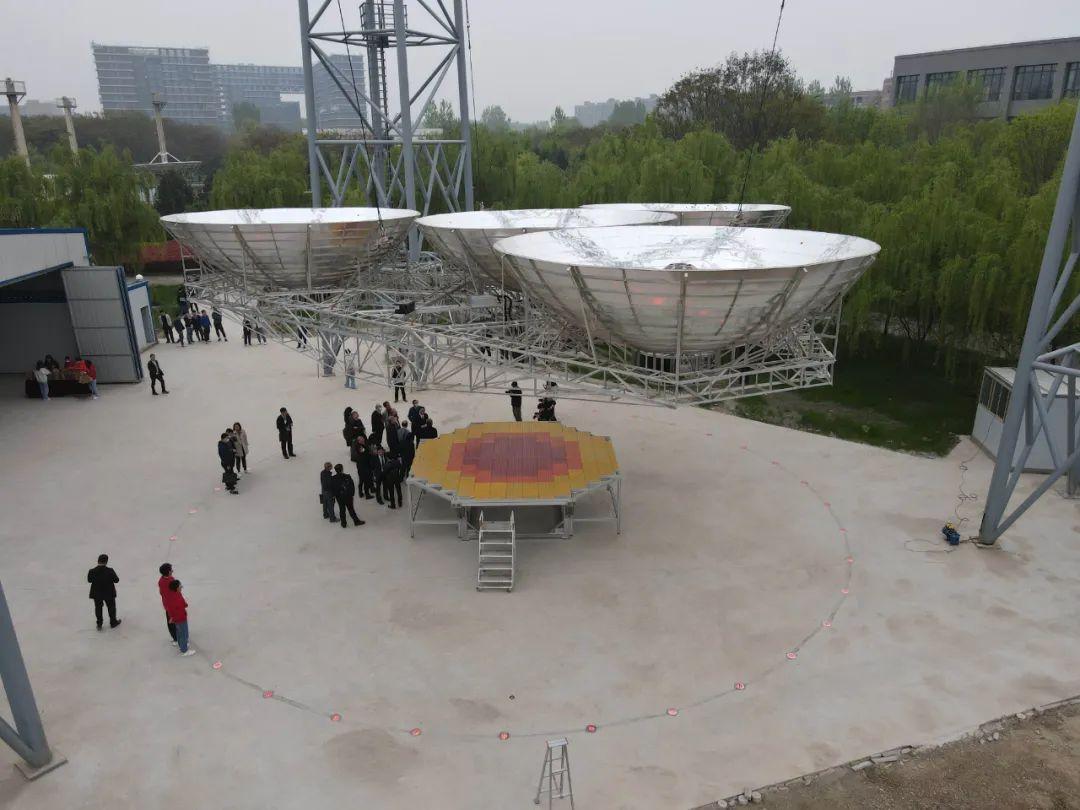 西安电子科技大学校园内的试验塔,用于在地面全链路演示段宝岩团队独家设计的OMEGA方案。图/受访者提供