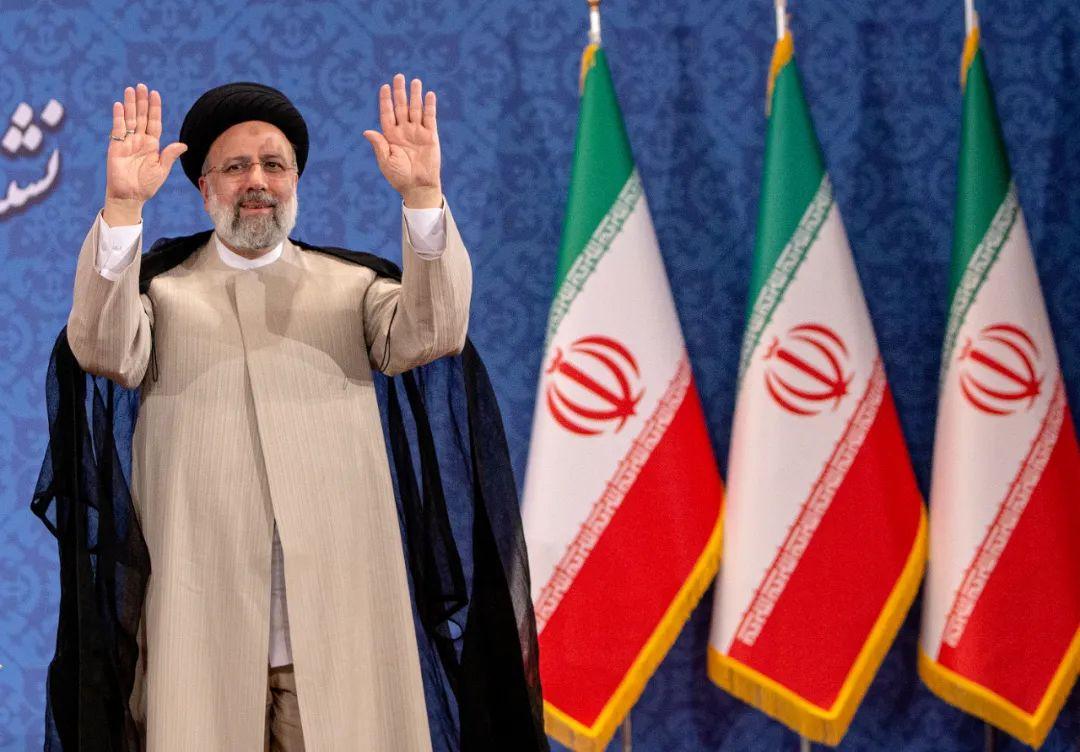 6月21日,伊朗当选总统易卜拉欣·莱希在德黑兰出席当选后的首场新闻发布会。新华社发(艾哈迈德·哈拉比萨斯摄)