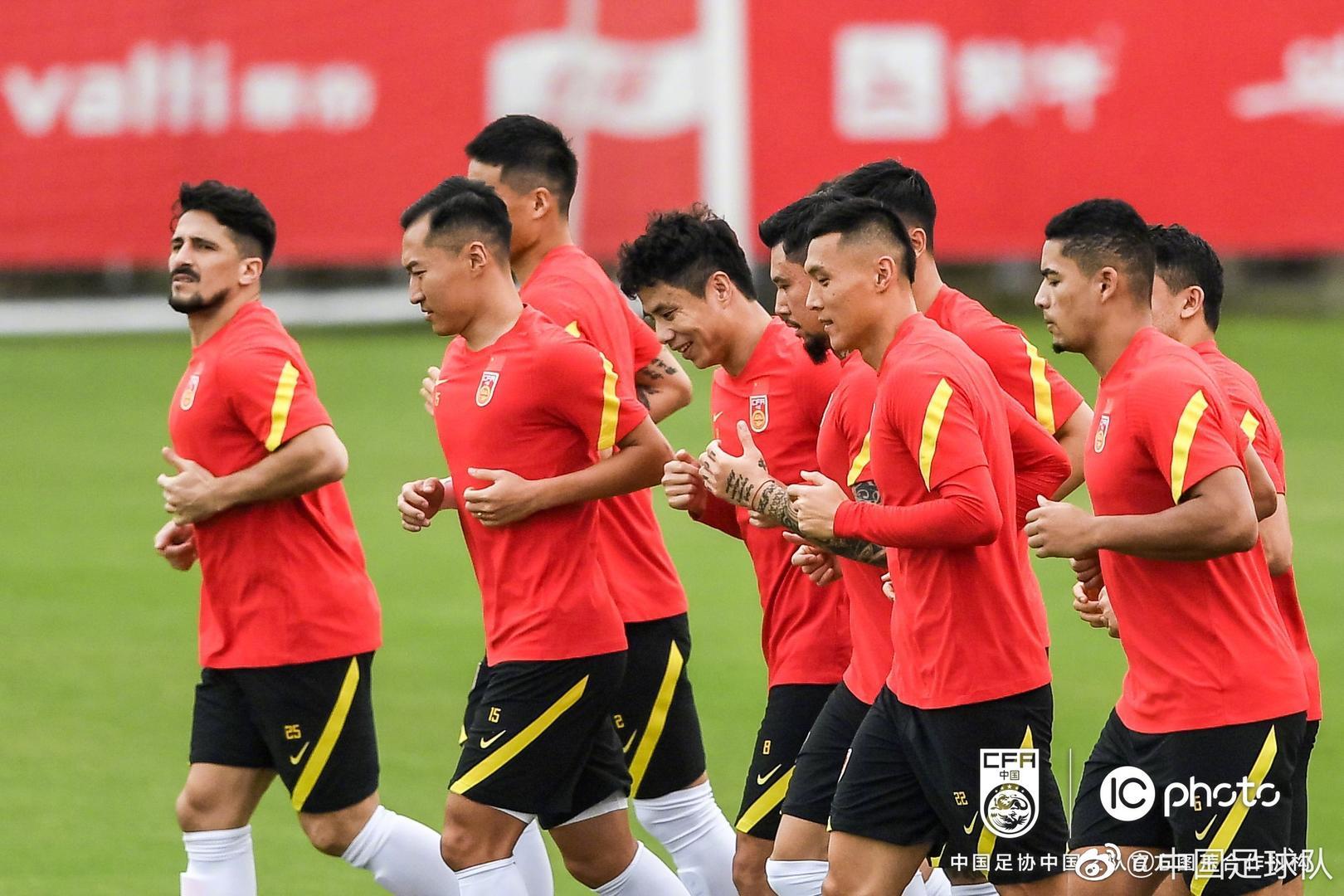 李铁:中国足球就像你的孩子 不能考不好就不要了
