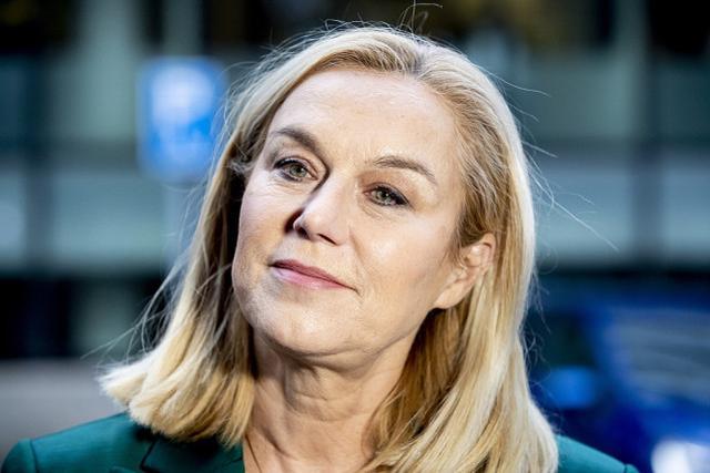 被批处理阿富汗疏散工作不力后,荷兰外长宣布辞职:我担最终责任