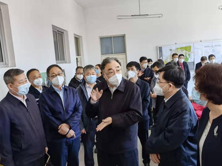 马晓伟赴哈尔滨巴彦县兴隆镇指导流调工作并看望一线工作人员
