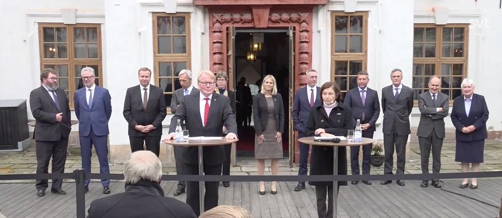 △瑞典国防大臣胡尔特奎斯特(左)和法国国防部长帕利(右)