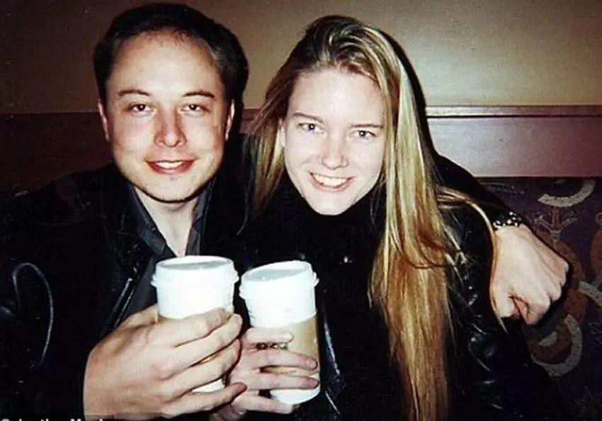 马斯克与女友分手 情史精彩到好莱坞编剧都写不出来