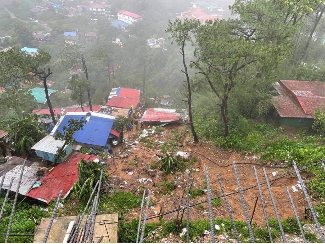 """台风""""圆规""""致菲律宾死亡人数上升至39人"""