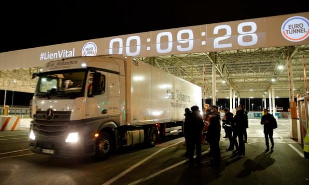 """脱欧第一天:第一批英国货车顺利通关,苏格兰却发表""""返欧""""宣言"""