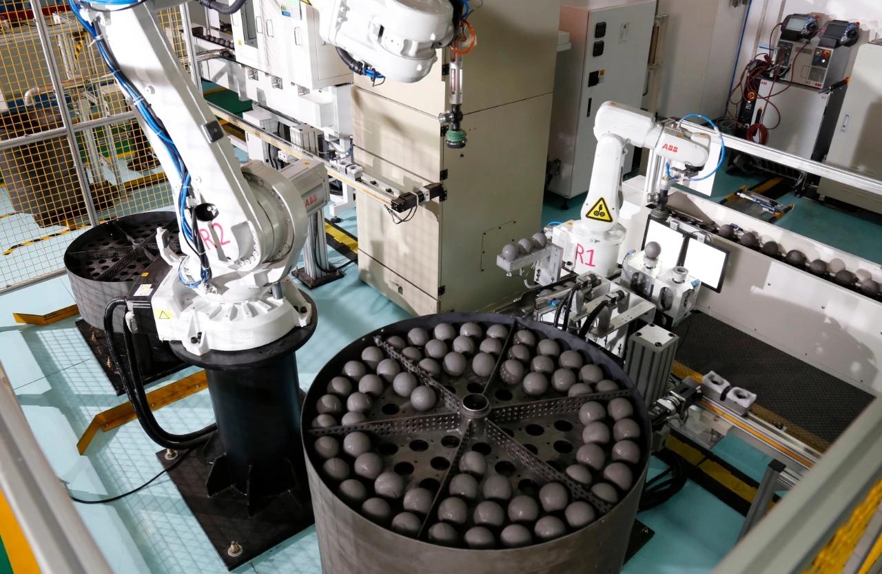 全球首批高温气冷堆核燃料元件启运发货