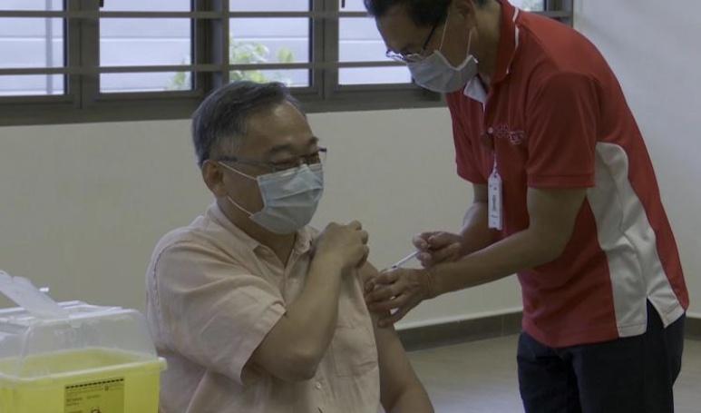 新加坡政府鼓励全民接种新冠疫苗