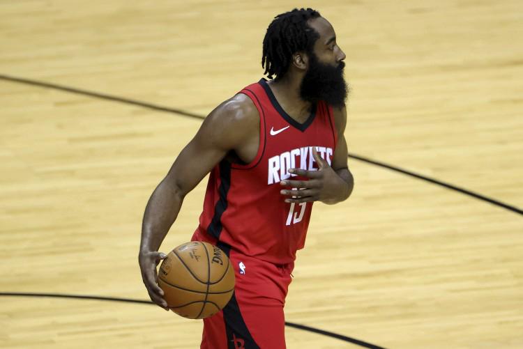 篮球晚报:哈登远赴布鲁克林 与KD&欧文组三巨头