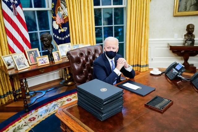 """拜登宣誓后美国一高官拒绝""""自愿辞职""""后遭解雇,美媒:共和党怒了"""
