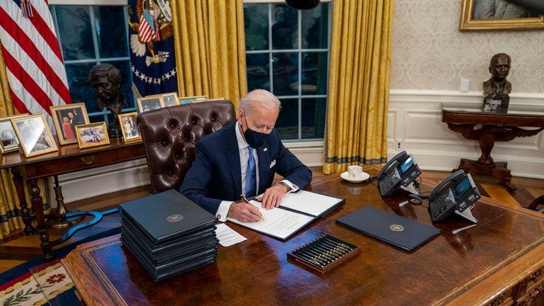▲拜登入主白宫。图据华盛顿邮报