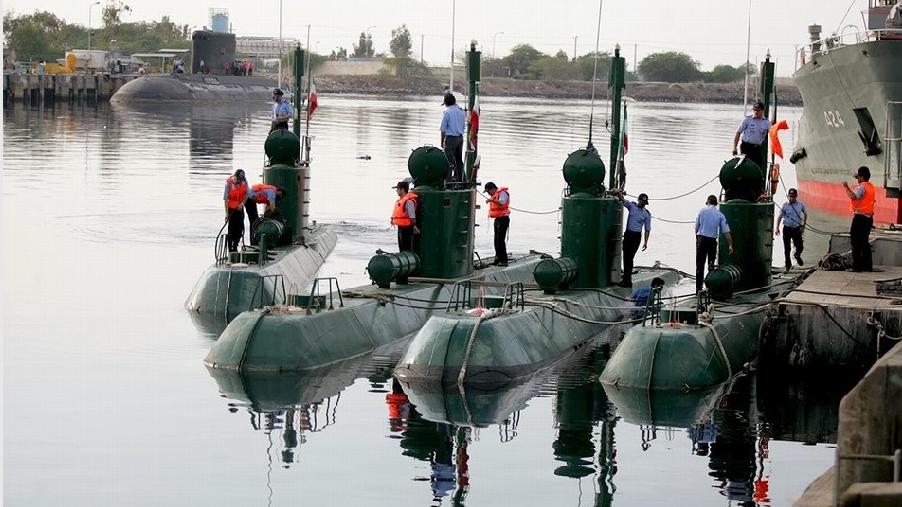 """伊朗拥有20余艘""""加迪尔""""级潜艇。"""