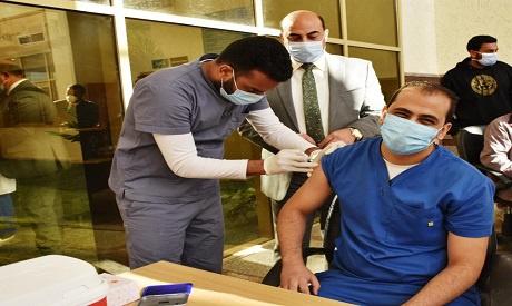 埃及已为全国1315名医护人员接种第一剂新冠疫苗