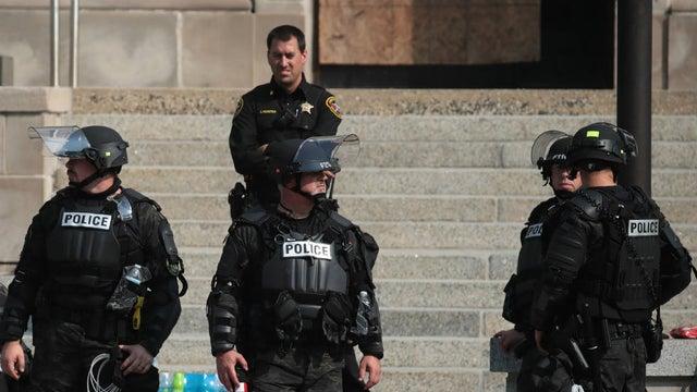 美威斯康星州再爆发抗议活动 州长紧急调动国民警卫队(夜读头条网)