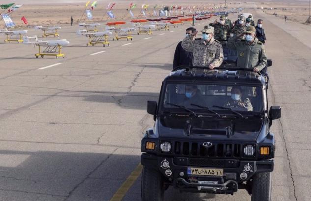 伊朗举行无人机演习警告美国:军队已蓄势待发