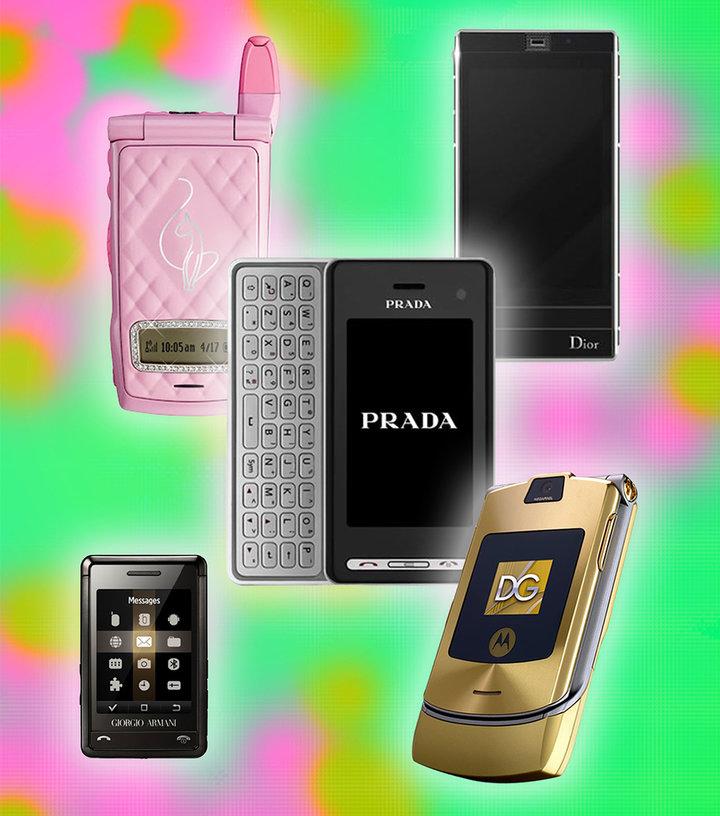 ▲ 糟蹋品牌在 2000s 推出的手机。 图片来自:HIGHSNOBIETY