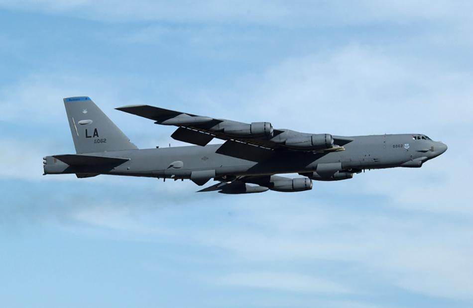 美国B-52H战略轰炸机,未来可携带高超声速导弹。