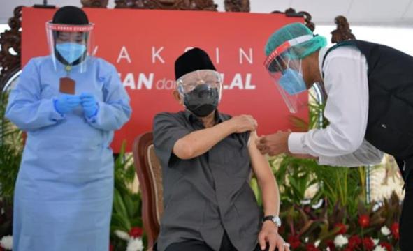 印度尼西亚副总统马鲁夫·阿明接种中国新冠疫苗