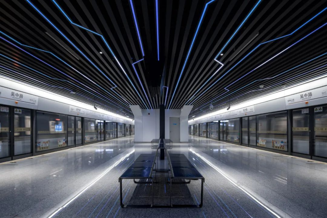 吴中路站厅的灯光系统也经过精密设计。图/受访者提供