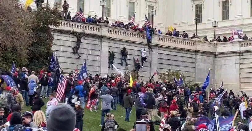 1月6日,特朗普支持者进入美国国会