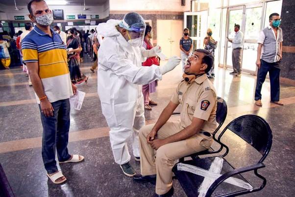 印度新增新冠肺炎确诊病例10584例 累计确诊超1101万例