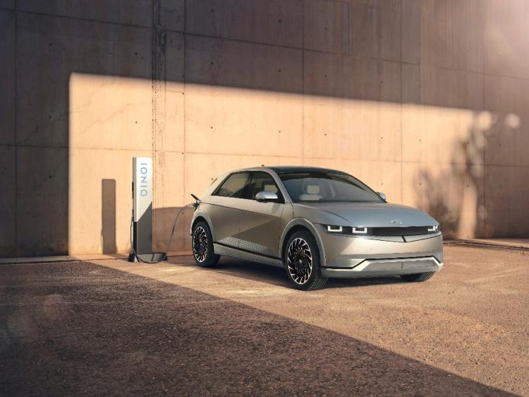 现代纯电动SUV首秀 提供车载对外供电功能