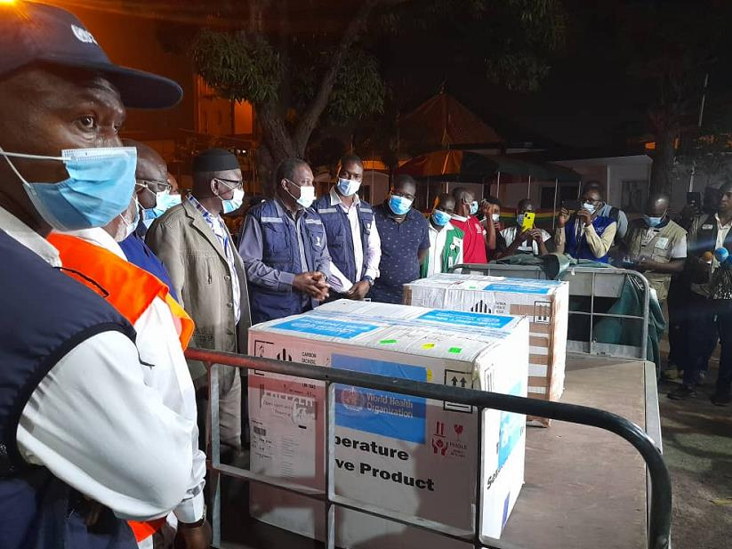 世卫组织提供的1.1万多剂埃博拉疫苗运抵几内亚