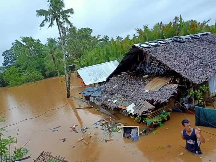"""台风""""杜鹃""""造成菲律宾至少1人死亡4人失踪"""