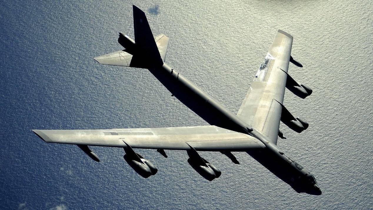 美国B-52战略轰炸机。