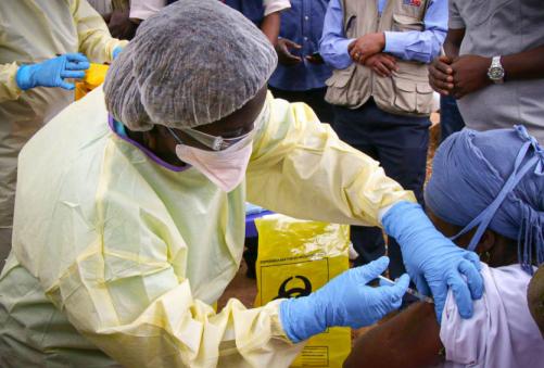 西非国家加大力度应对新一轮埃博拉疫情