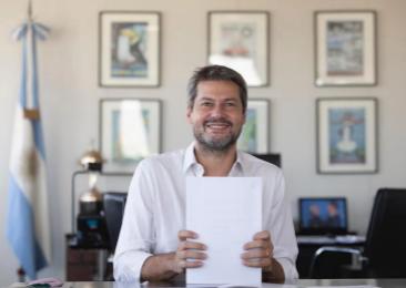 携程集团CEO孙洁与阿根廷旅游体育部长马蒂亚斯.拉蒙斯签署五年战略合作备忘录