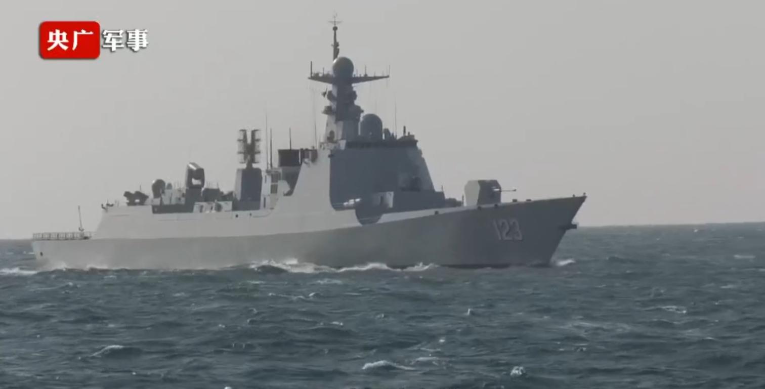"""中国海军25艘052D""""淮南""""舰服役(图)"""