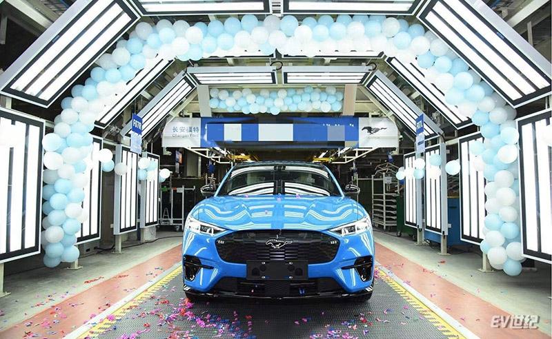 长安福特国产Mustang Mach-E首台车下线,挑战Model Y