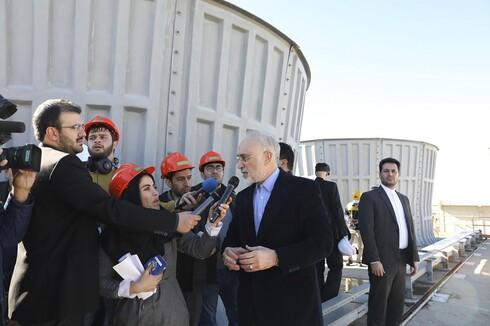 △伊朗原子能机构组织负责人萨利希接受记者采访 图片来源:美联社